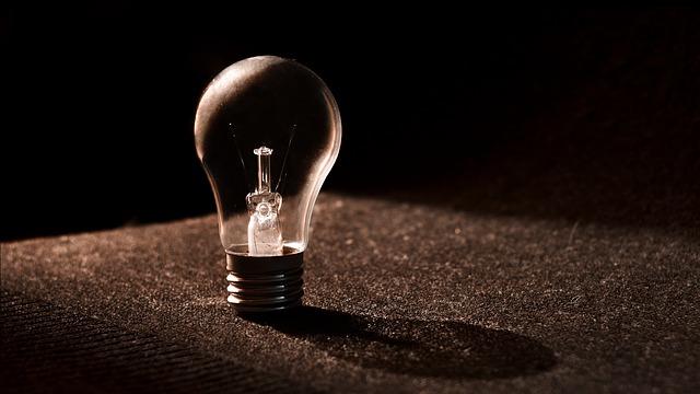 stojící žárovka