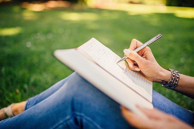 psaní knihy